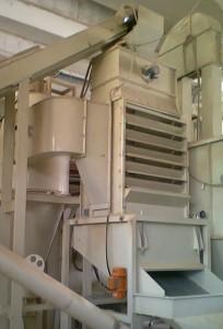 Raffreddatore verticale con setaccio